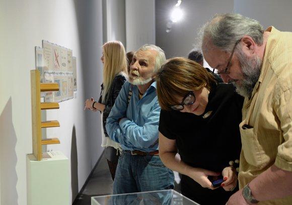 Выставка «Авангард и авиация» призывает летать добролетами