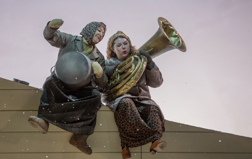 На сцене Михайловского театра приказано «не стрелять»
