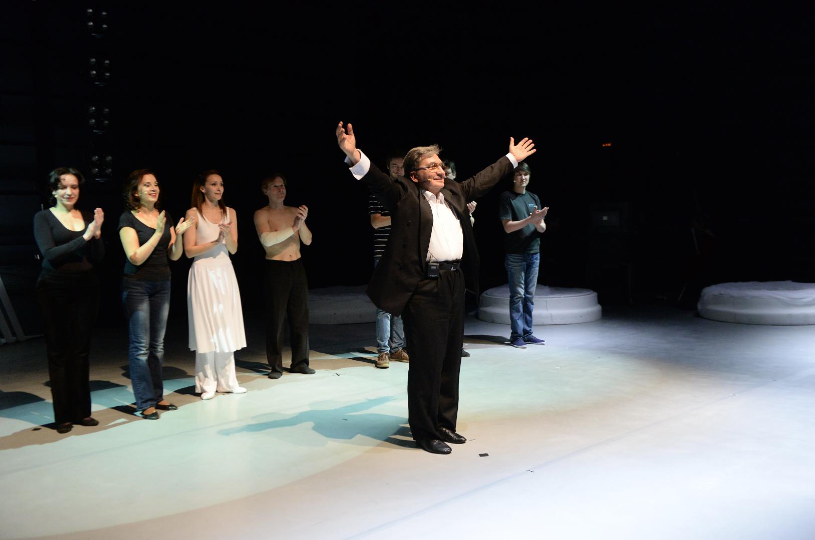 Театр Станиславского оказался «По ту сторону тени»