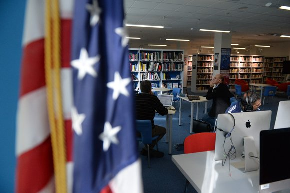 Американский центр скорее открыт, чем закрыт
