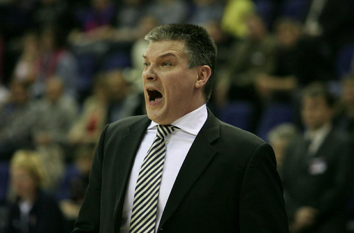 РФБ нарушила пункт контракта при увольнении тренера женской сборной