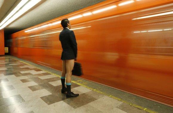 Глава столичного метрополитена осудил акцию «В метро без штанов»