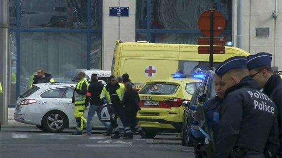 Брюссель потрясла серия терактов, погибло более 20 человек