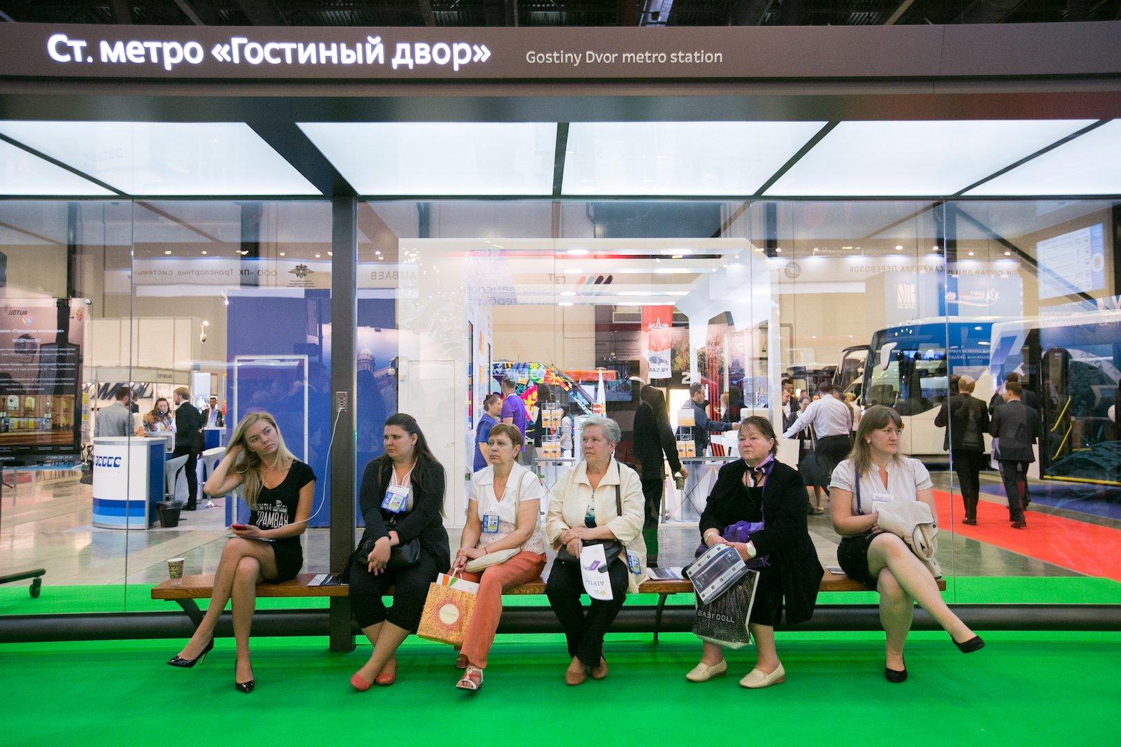 В Петербурге показали «умные» трамваи и остановки