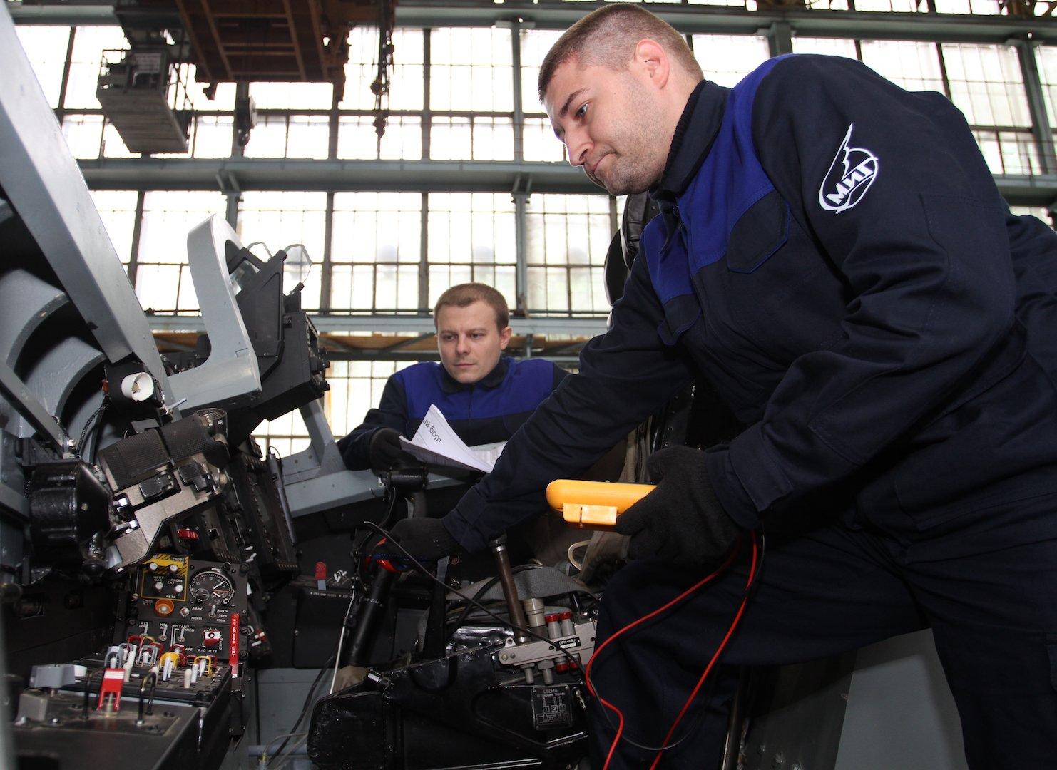 В «МиГ» создали тренажер для отработки дозаправки в воздухе