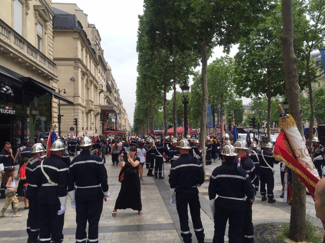 ФОТО. Париж встречает Евро-2016