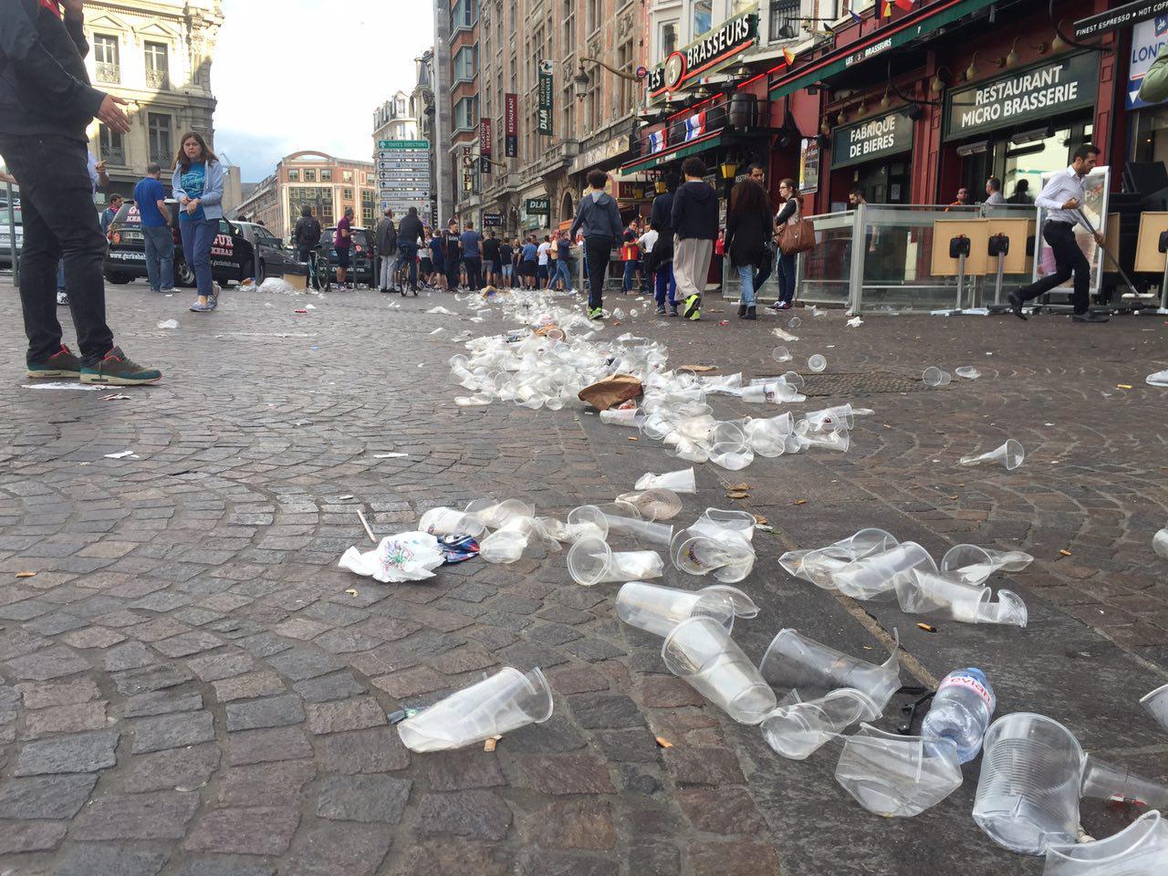 Полиция Лилля использовала слезоточивый газ против английских фанатов