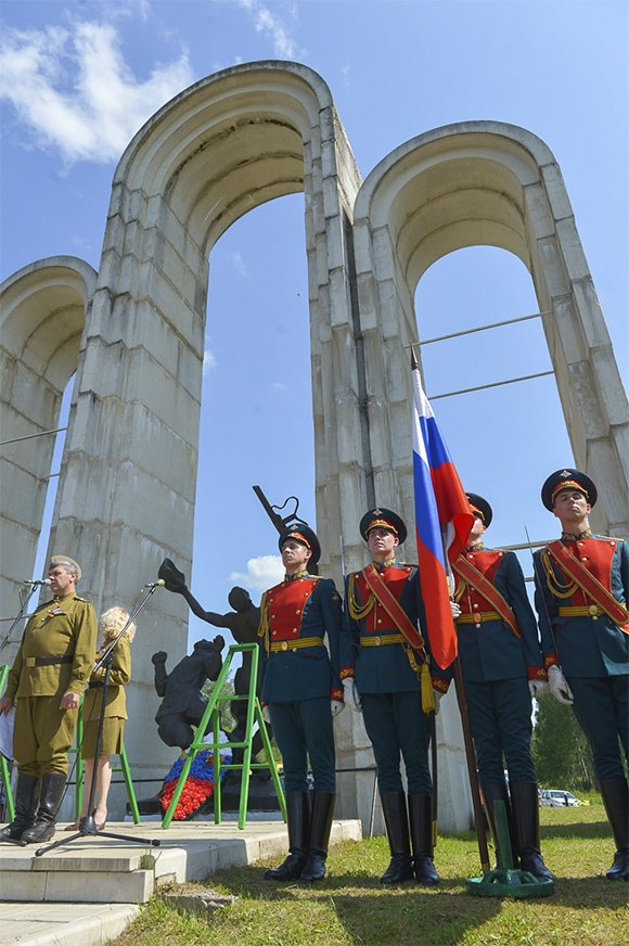 «Стоим недалеко от Москвы, завтра страшный бой»