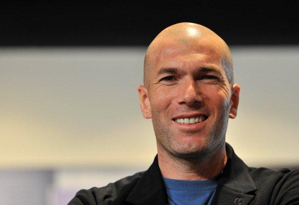 «Реал» увеличил зарплату Зидана вдвое - до €5,5 млнв год