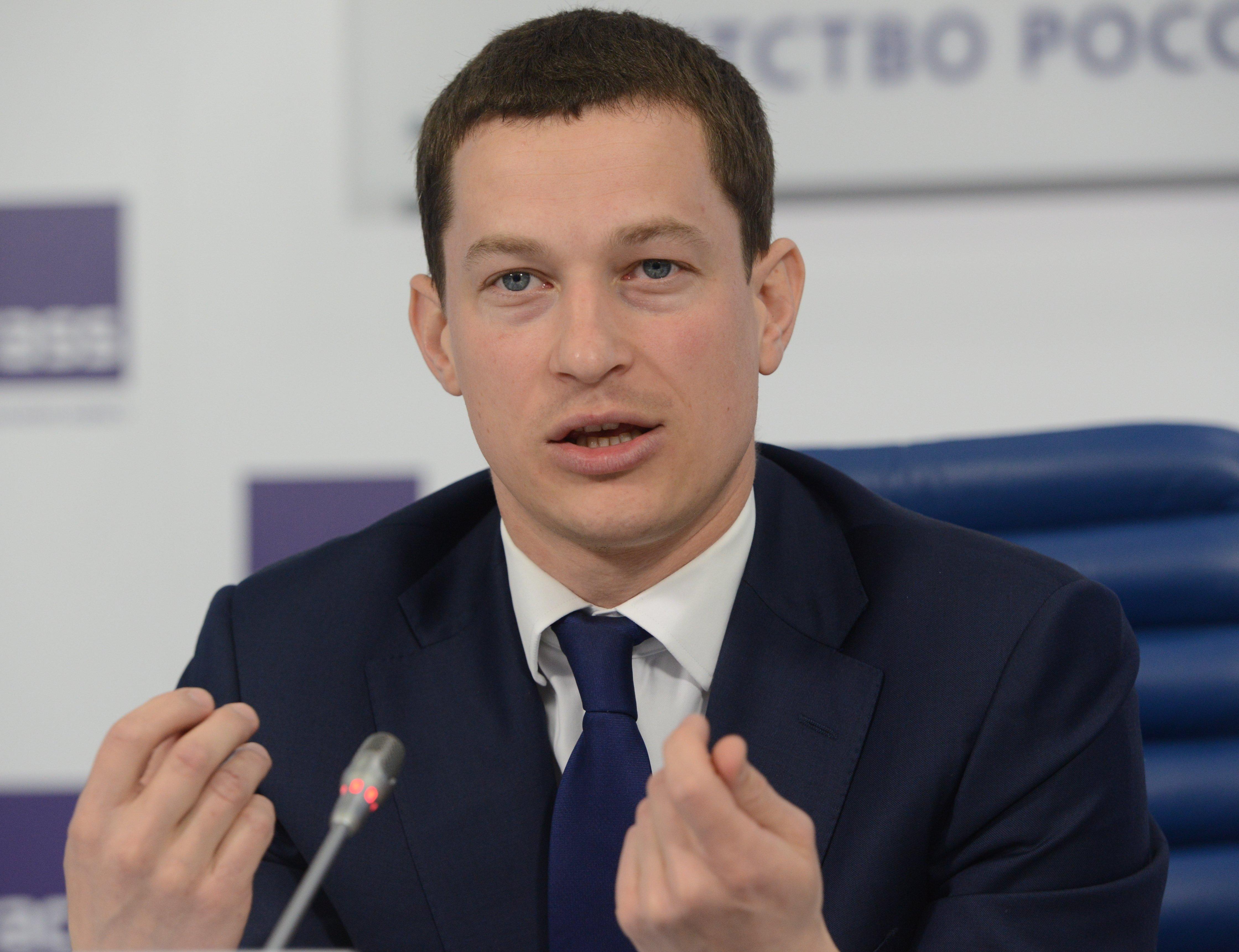 Дмитрий Медведев освободил от должности главу Росмолодежи