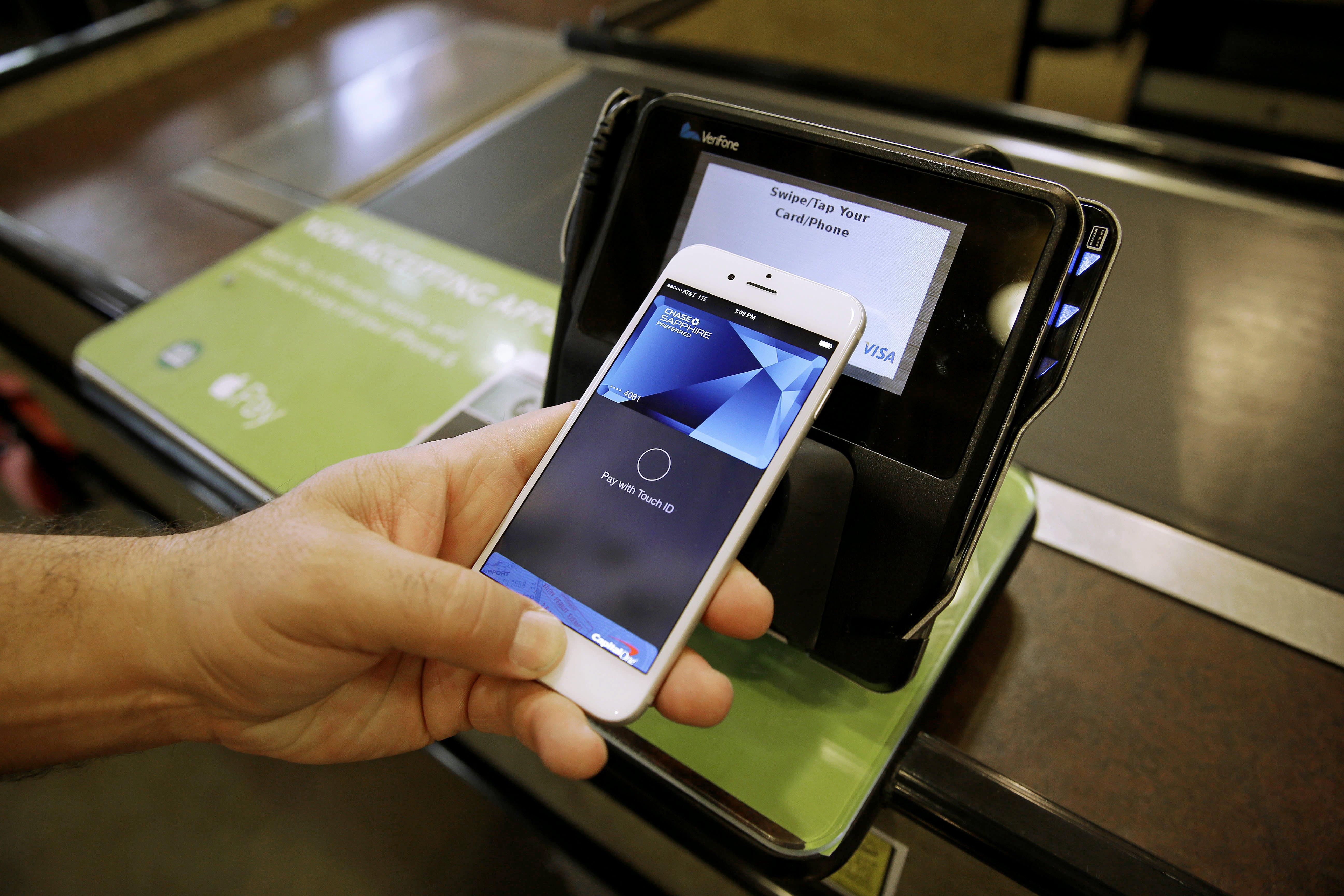 Вокруг пальца: что не так с Apple Pay в России
