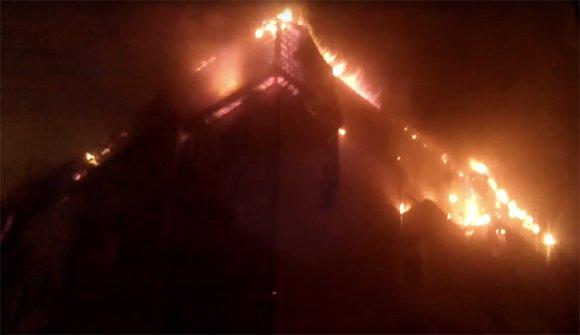 Пожар площадью 1,5 тыс. кв. м произошел в жилом доме в Краснодаре