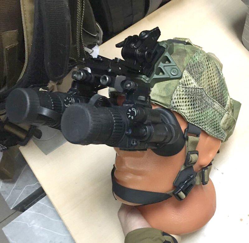 Спецназовцев одели в умные ночные шапочки