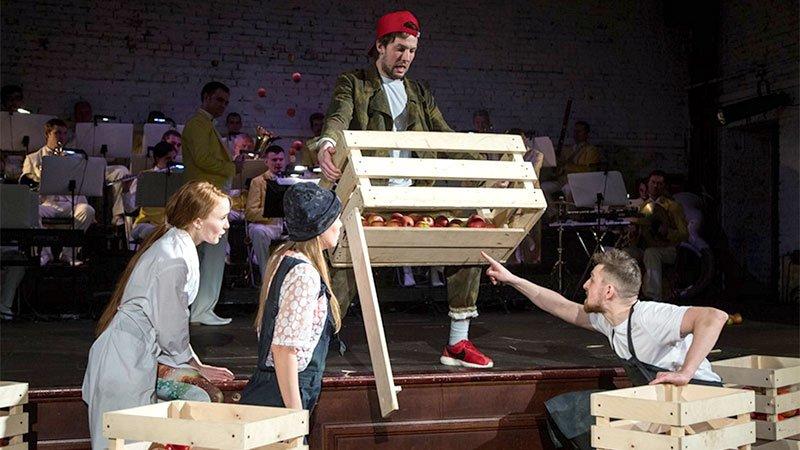 Губернский театр собрал «Урожай»