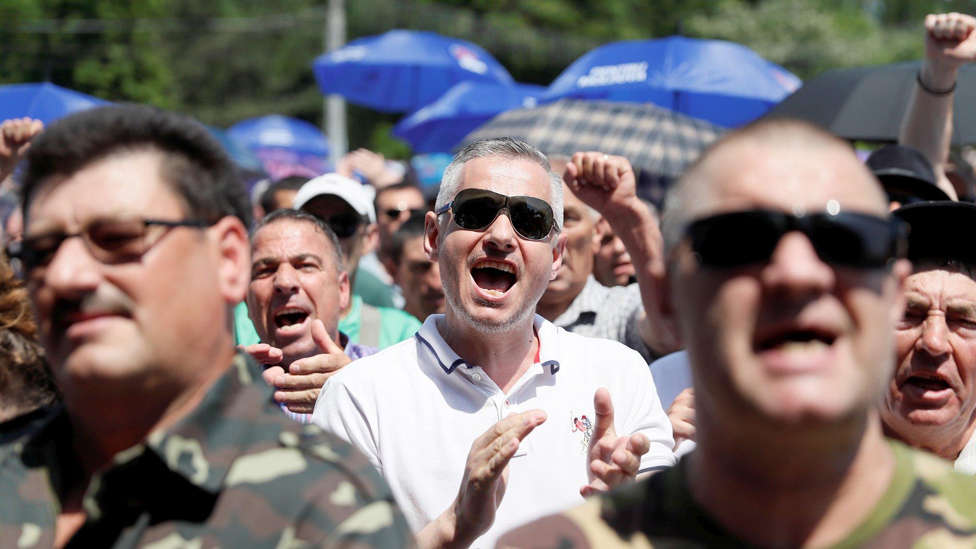 Букет Молдавии: в стране формируется режим двоевластия