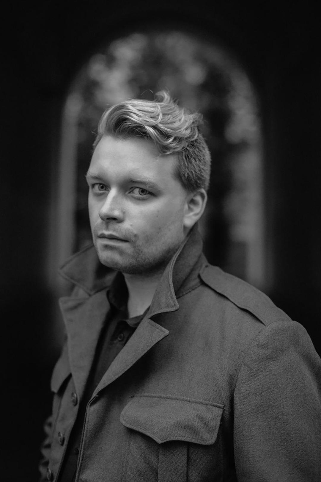 Писатель Александр Пелевин