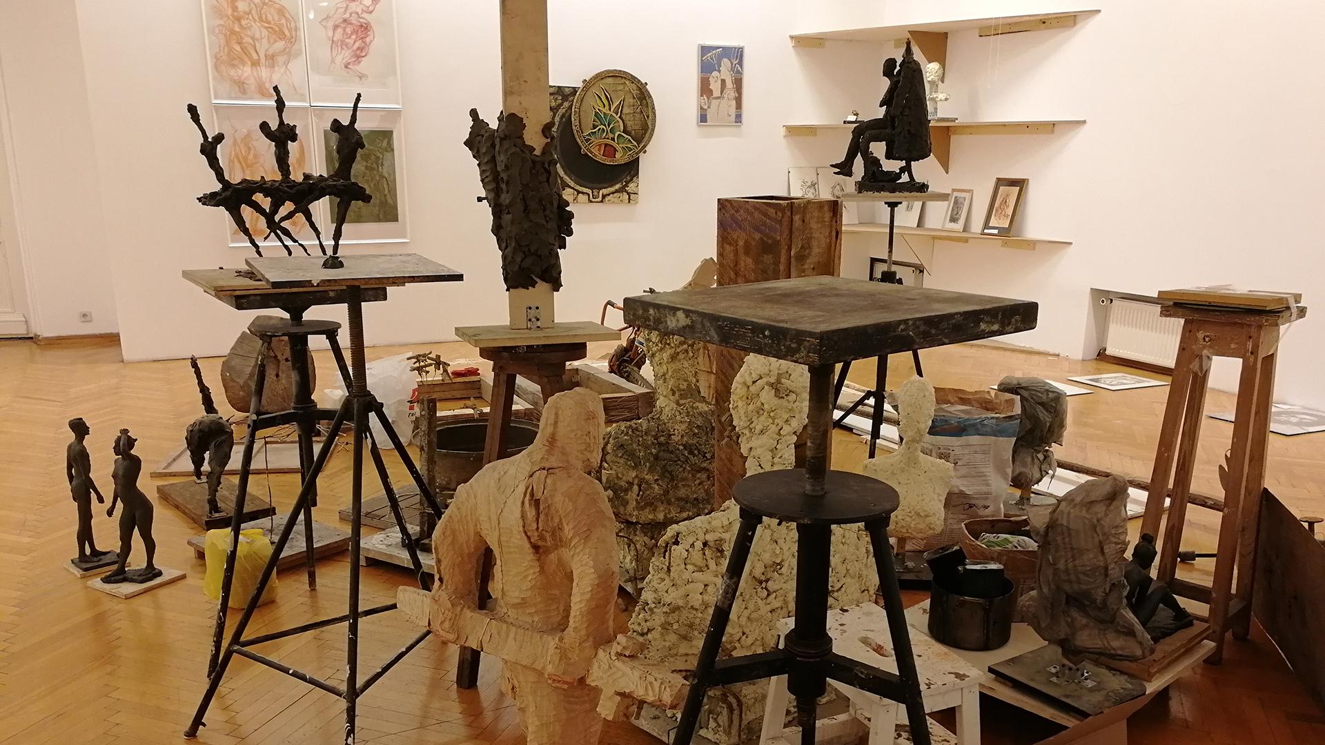 Выставка «Творческая мастерская скульптуры»