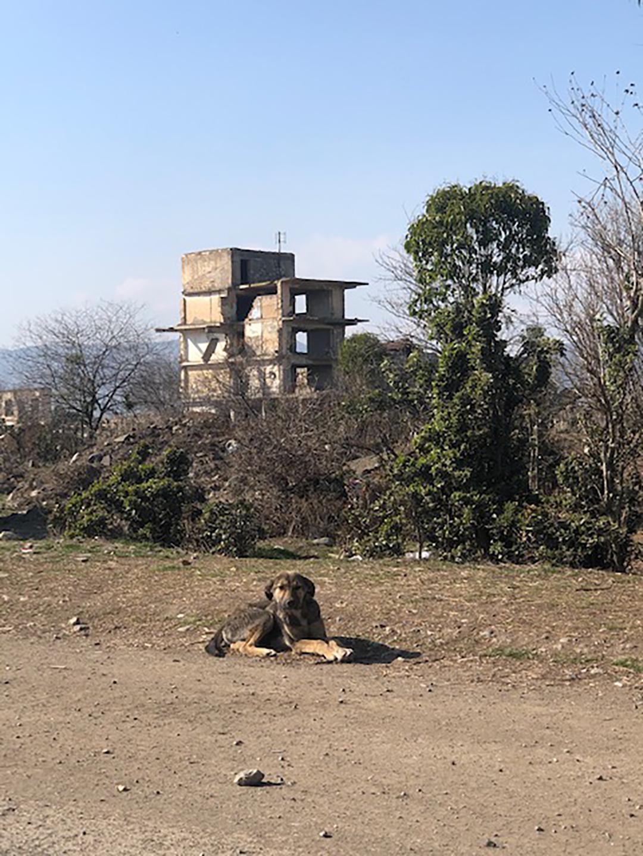 полуразрушенный город Агдам