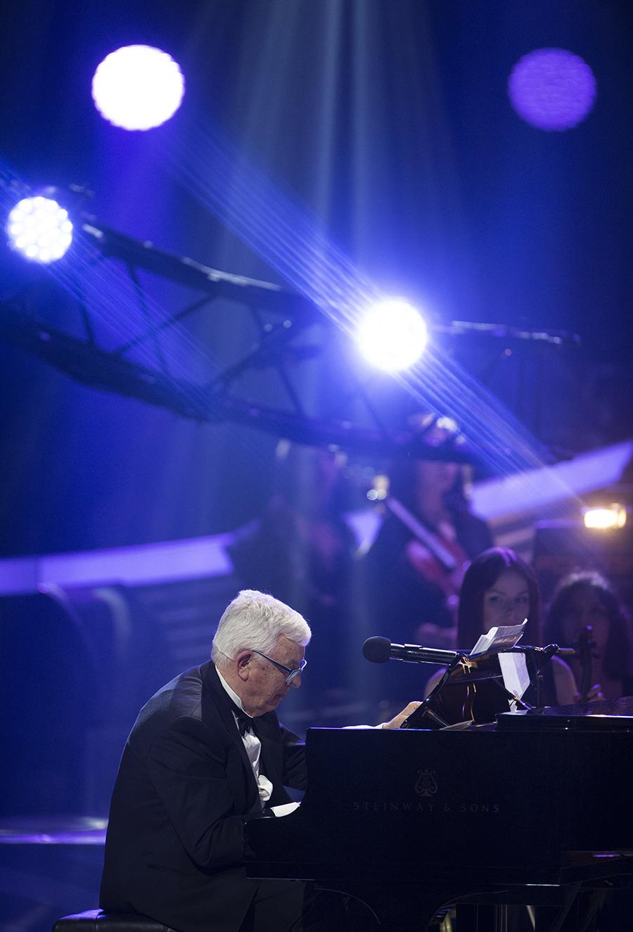 Композитор Раймонд Паулс на творческом вечере, посвященному своему 80-летнему юбилею