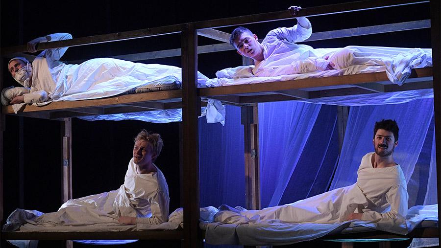 Сцена из спектакля «Матросская тишина»