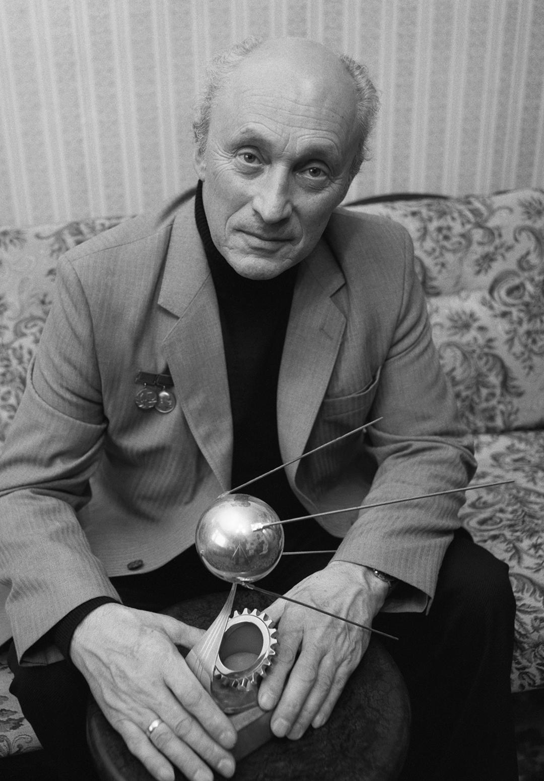 Ведущий конструктор первых космических кораблей-спутников «Восток» Олег Генрихович Ивановский