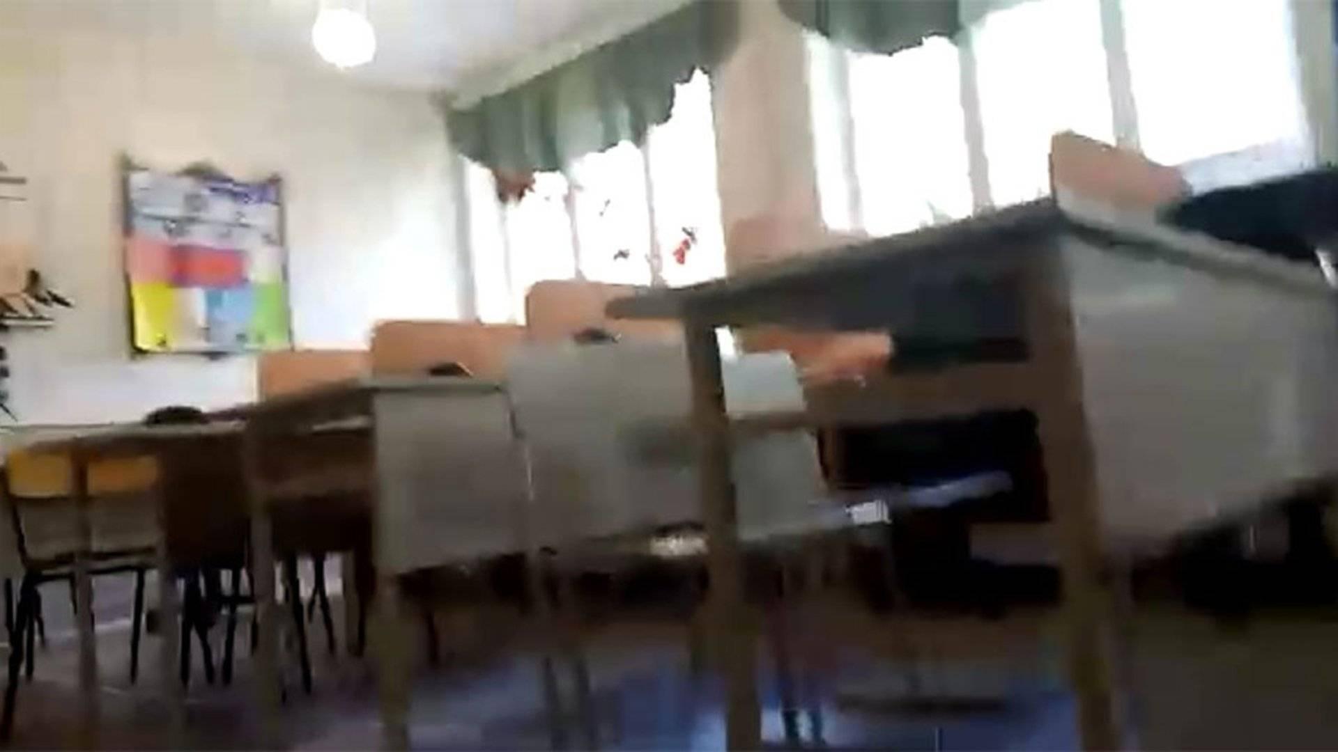 Русская малолетка мастурбирует перед камерой