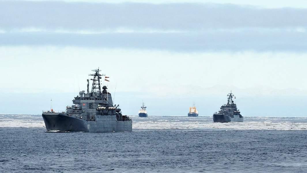 Переход кораблей Северного флота поСеверному морскому пути