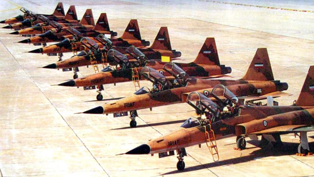 https://cdn.iz.ru/sites/default/files/styles/1065x600/public/photo_item-2018-09/Iranian_Northrop_F-5_during_Iran-Iraq_war.jpg?itok=1M78Ldhy