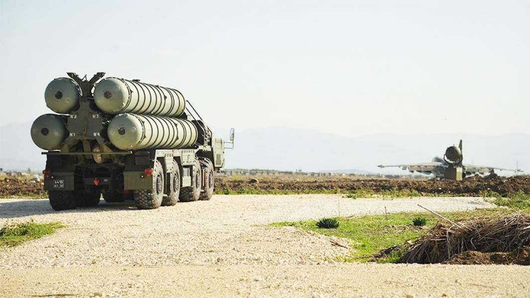 Зенитно-ракетный комплекс С-400 на российской авиабазе Хмеймим