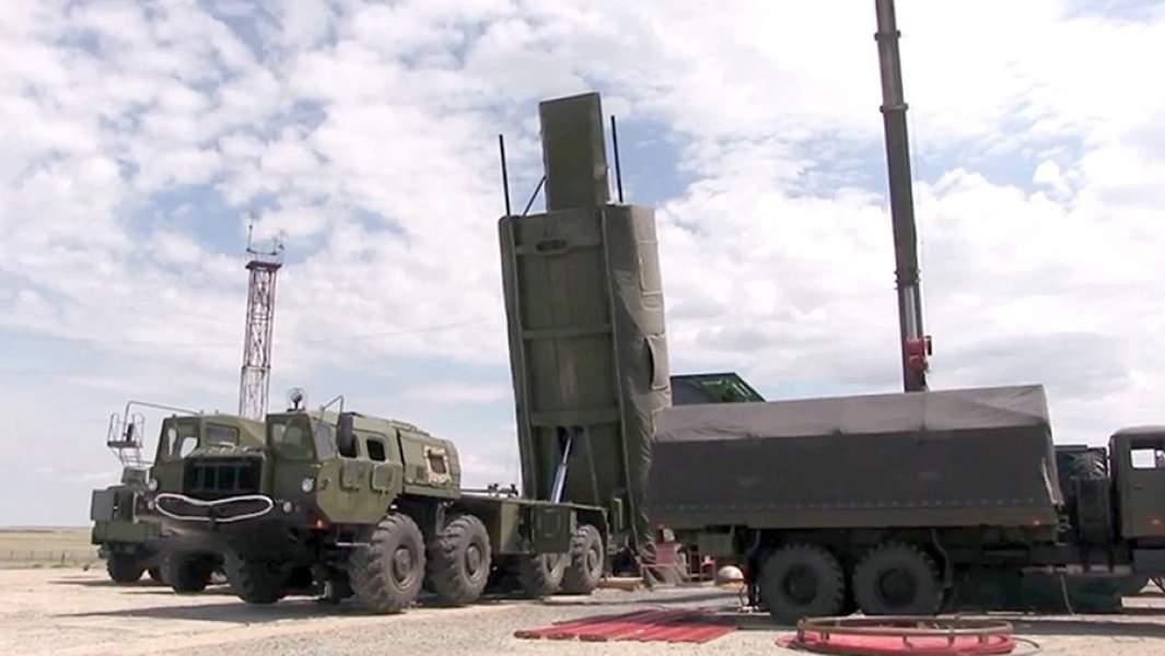 Подготовка к запуску ракеты РС-26 «Рубеж»