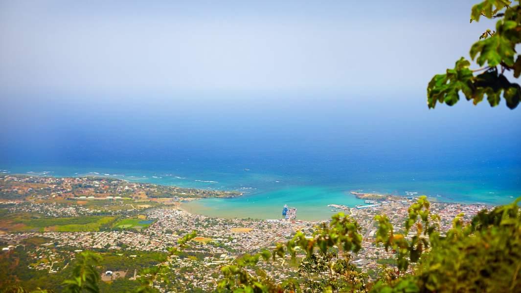 Вид на провинцию Пуэрта-Плата с вершины горы Изабель-де-Торрес