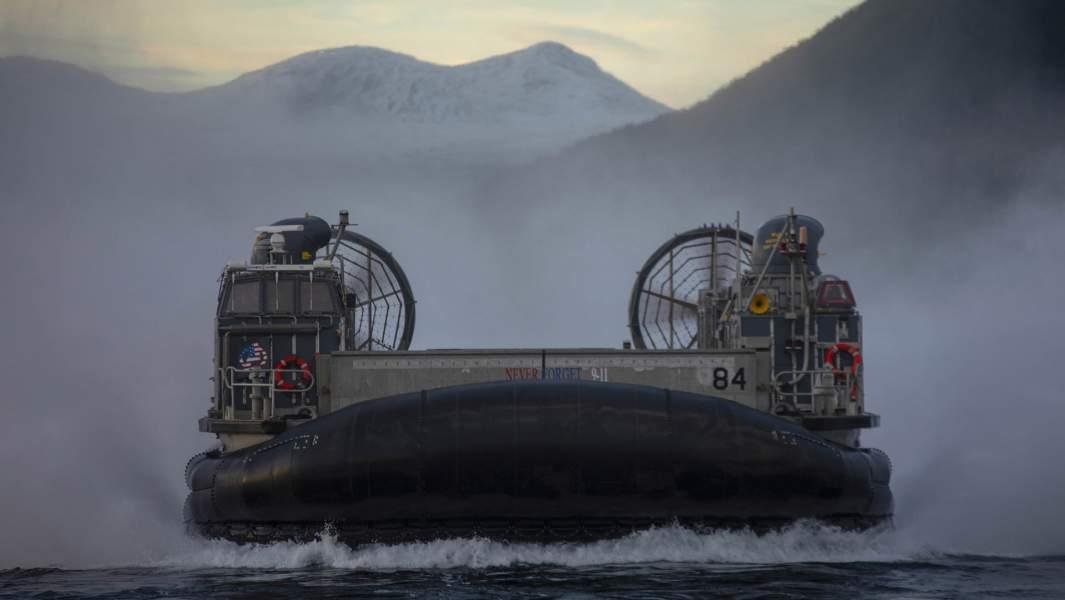 Десантный корабль ВМС США навоздушной подушке