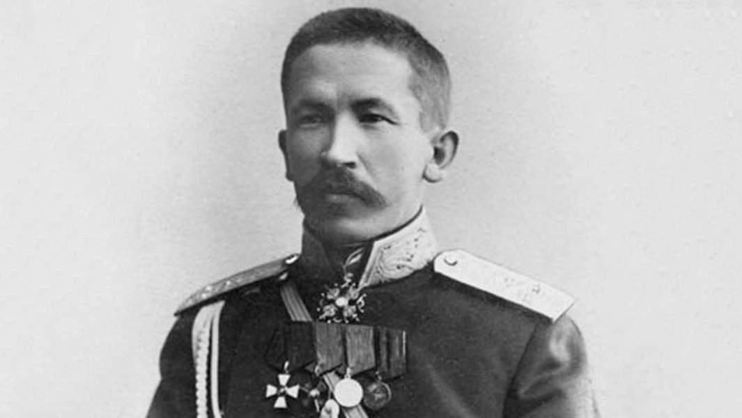 Лавр Георгиевич Корнилов — русский военачальник, генерал от инфантерии. Военный разведчик, военный атташе, путешественник-исследователь