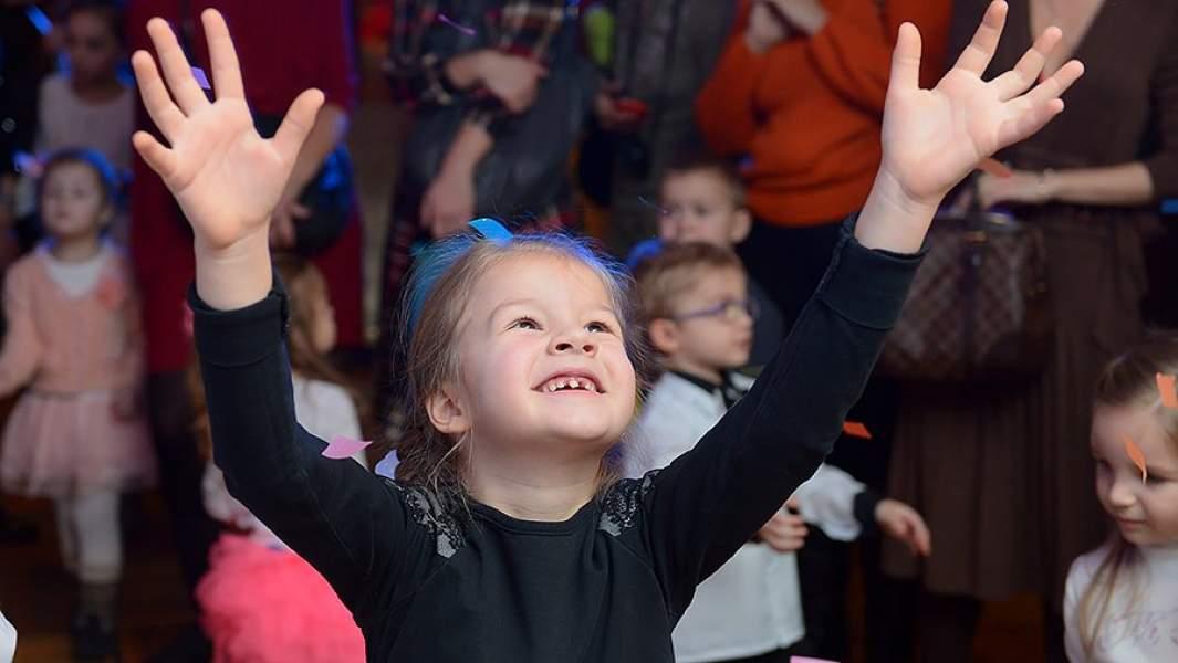 В театре дети быстро считывают «правила игры» и включаются в нее, если это сделано талантливо