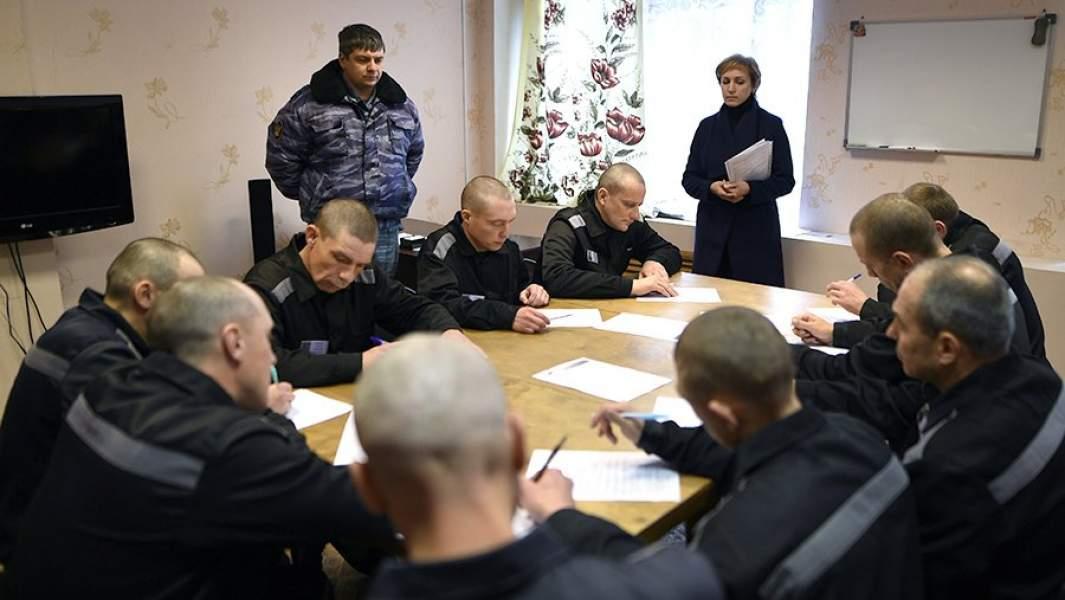 Заключенные исправительной колонии общего режима №2 во Владимирской области во время занятий