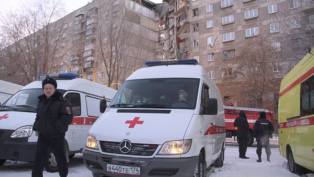 На месте обрушения одного из подъездов жилого дома на проспекте Карла Маркса в Магнитогорске, где произошел взрыв бытового газа