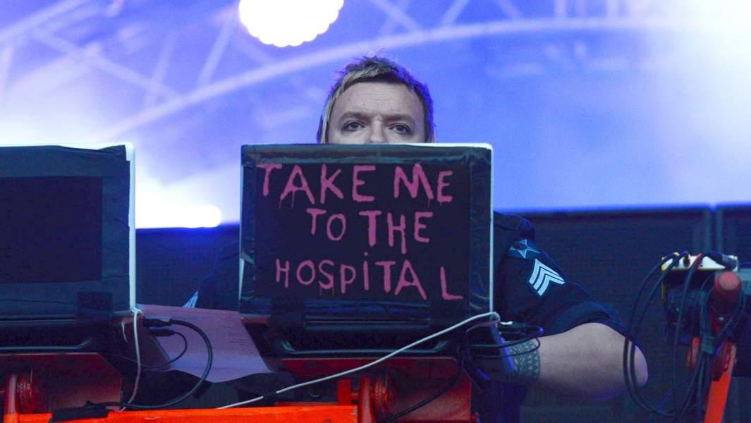 Участник британской группы The Prodigy Лиам Хоулетт во время выступления в рамках фестиваля Park Life на ВВЦ в Москве, 2014 год