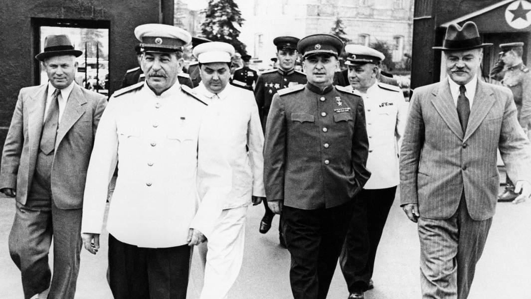 Никита Хрущев, Иосиф Сталин, Георгий Маленков, Лаврентий Берия, Вячеслав Молотов