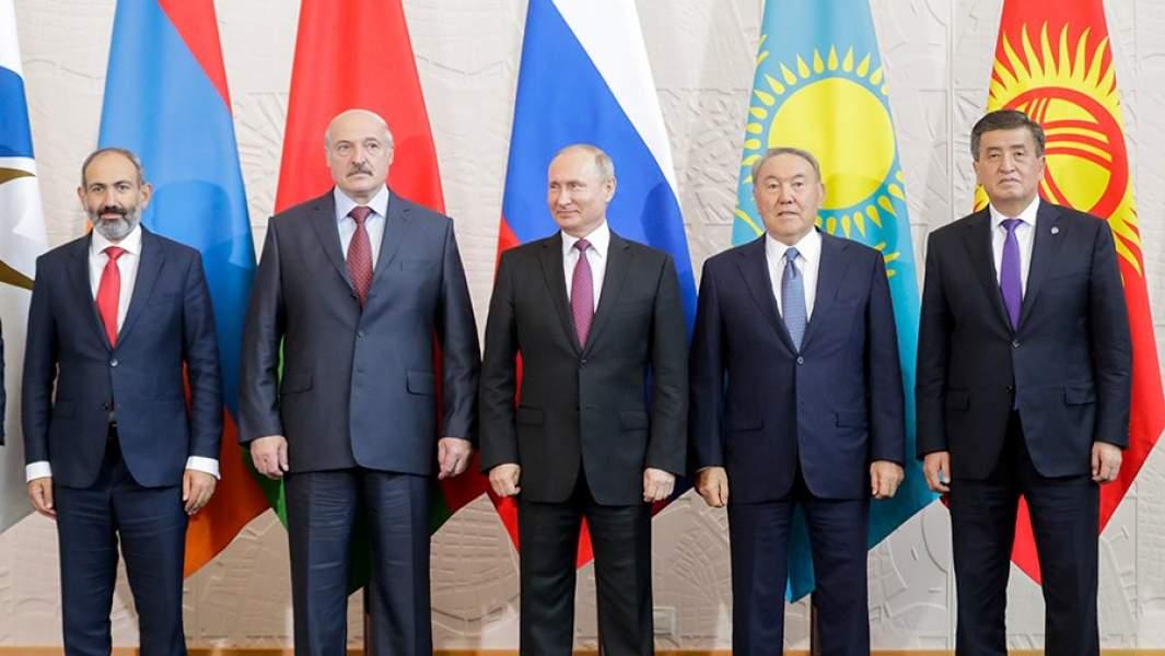 Никол Пашинян, Александр Лукашенко, Владимир Путин, Нурсултан Назарбаев и Сооронбай Жээнбеков