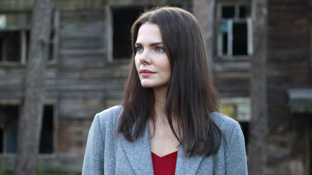Елизавета Боярская в роли Анны Воронцовой в сериале«Ворона»