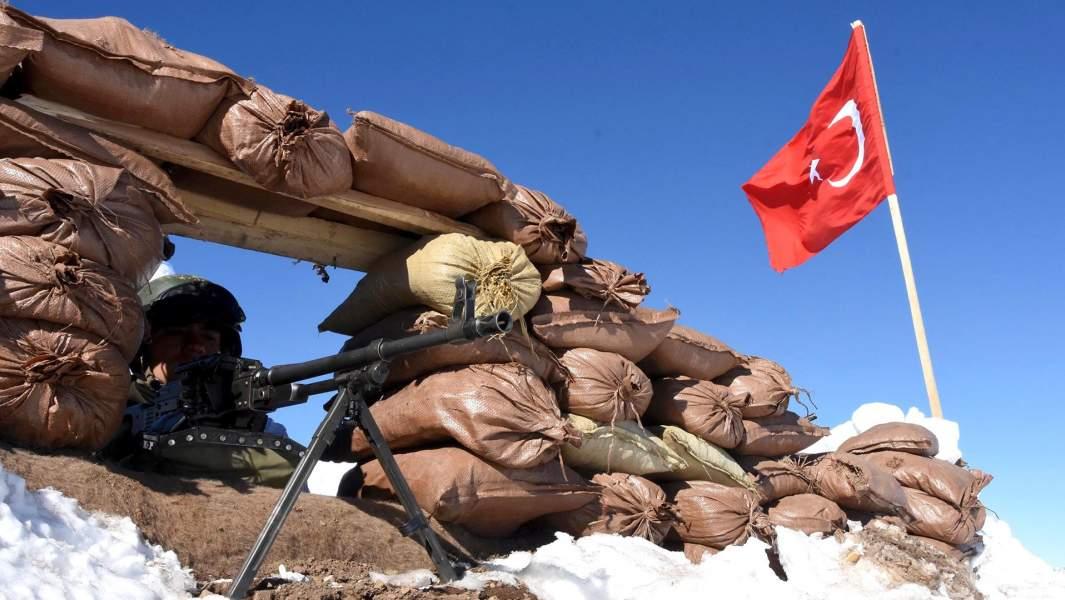 Турецкие солдаты на базе на границе Турции, Ирака и Ирана