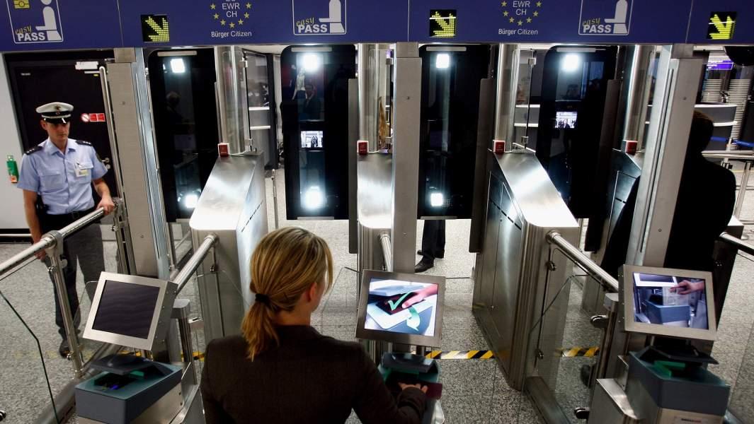 Автоматический паспортный контроль во Франкфурте, Германия