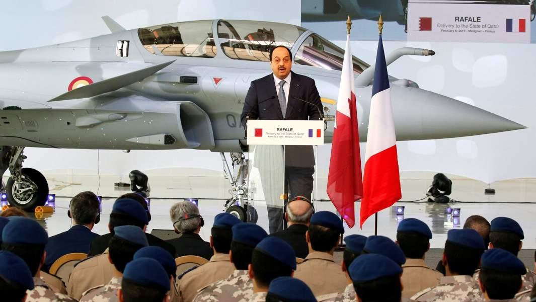 Министр обороны Катара Халид бин Мохаммед Аль-Аттия выступает с речью на заводе французского авиастроителя Dassault Aviation, Франция, 6 февраля 2019 года