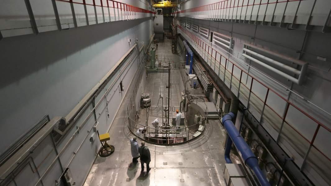 Технологический зал реактора ПИК Петербургского института ядерной физики имени Б.П.Константинова в Гатчине