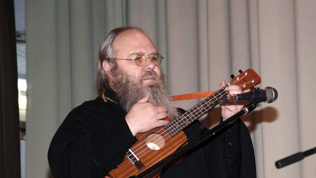 Отец Никита, настоятель Свято-Владимирского храма, Докучаеск