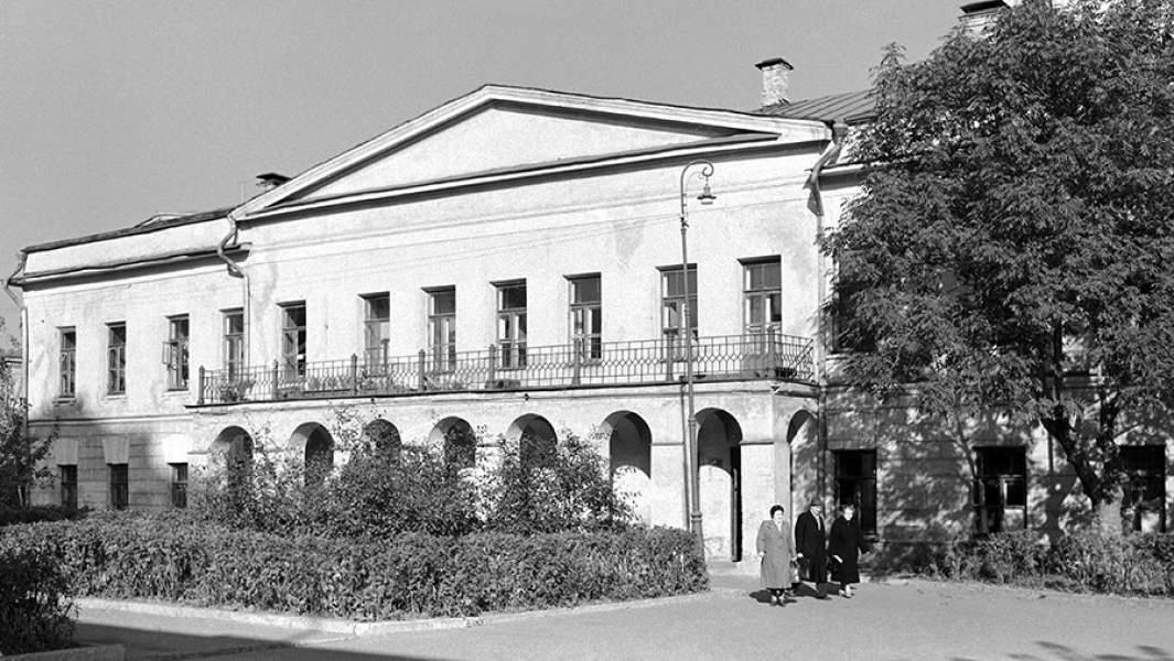 Дом № 7 на Суворовском (Никитском) бульваре, где жил и скончался великий русский писатель Н.В.Гоголь