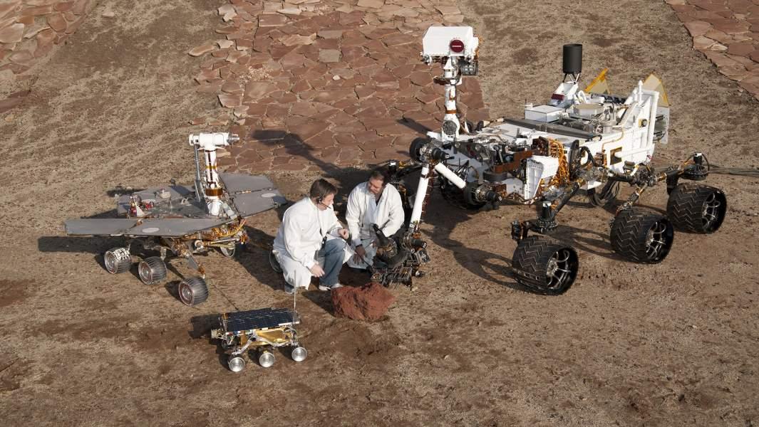 Три поколения марсоходов, разработанных в лаборатории НАСА