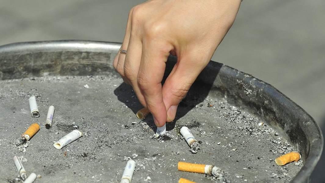 Пепельница у метро