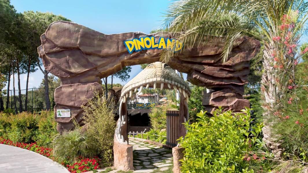 парк с динозаврами отель  Maxx Royal