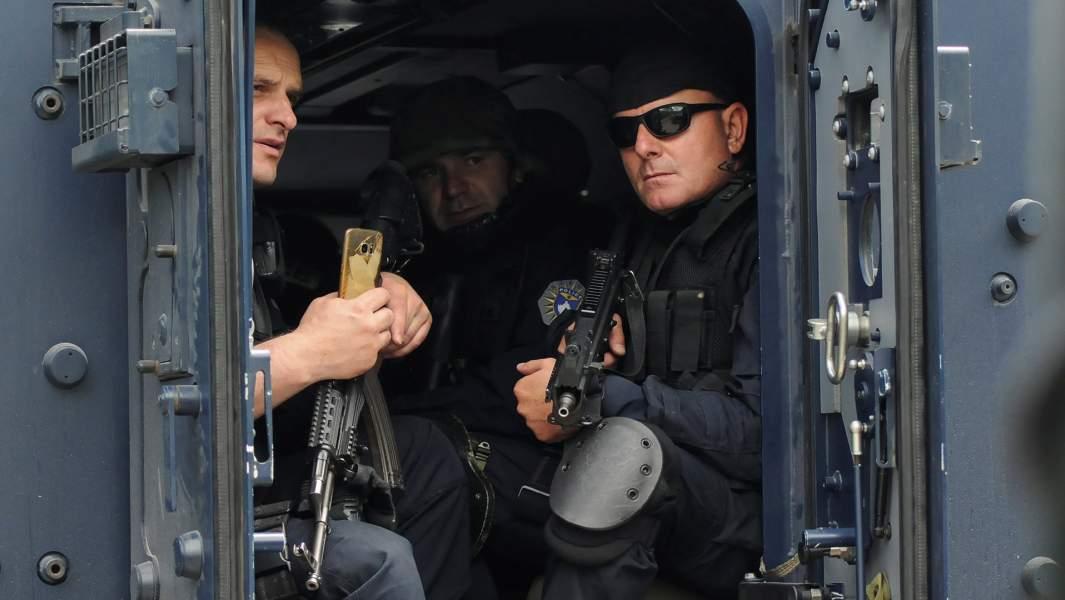 Что сейчас происходит? Обзор событий, связанных с раскрытием (4ч) - Страница 15 2019-05-28T131054Z_2007299270_RC14A53280A0_RTRMADP_3_KOSOVO-SECURITY.JPG